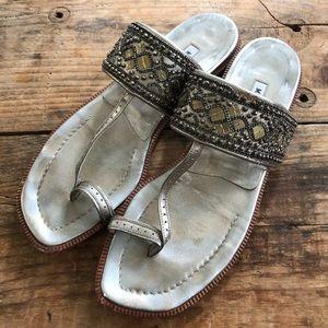 Manolo Blahnik 38.5 Beaded Toe Strap Flat Sandals